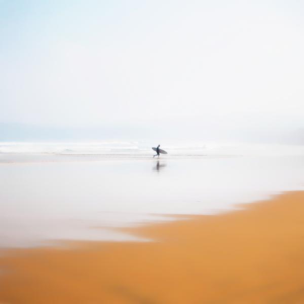Luis-Martinez-Aniesa-Surfer-Color