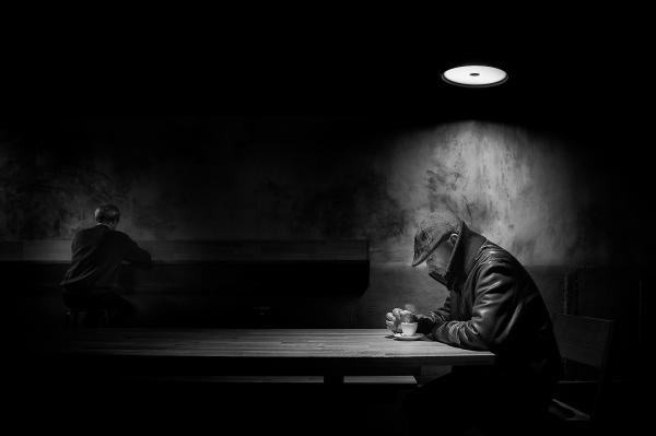 Manu-Barreiro-Lonely-Cofee